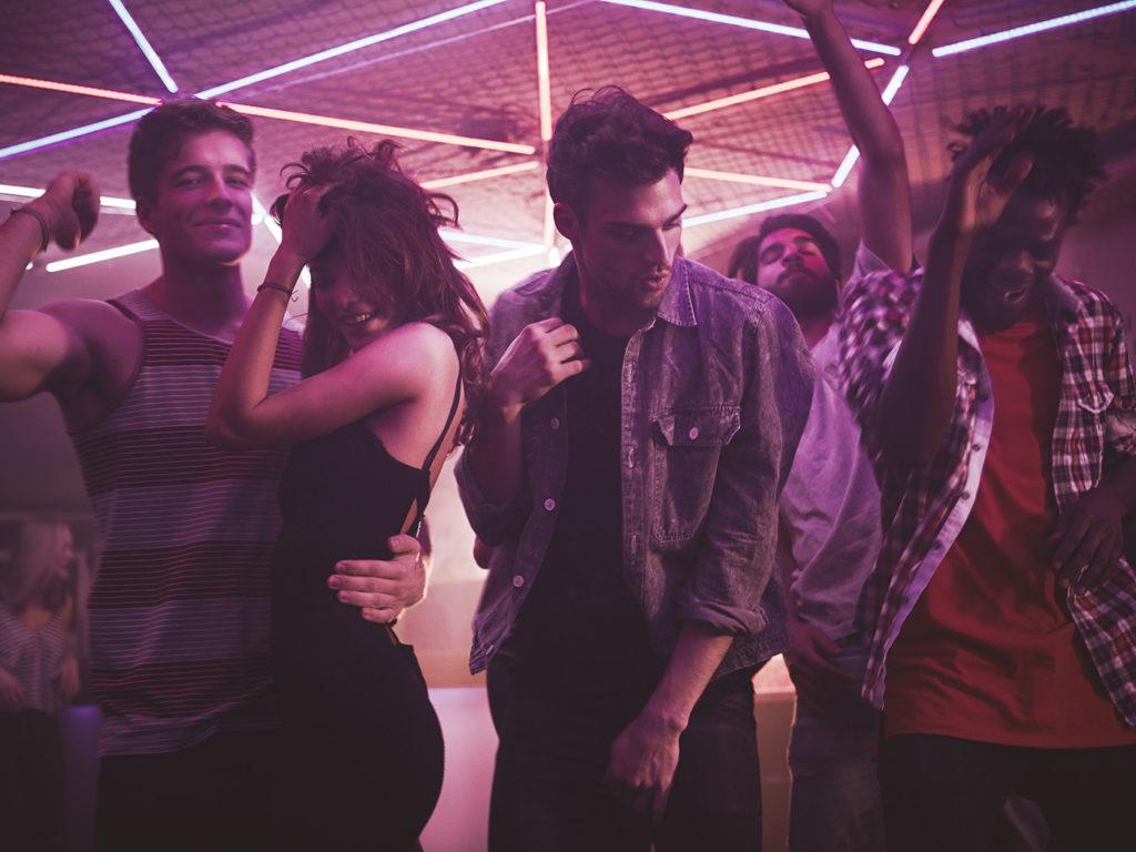 Leute beim Tanzen
