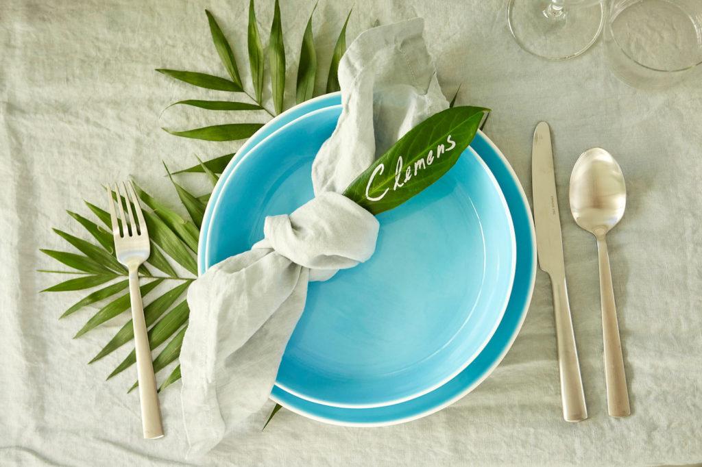 Teller mit Tischkarte