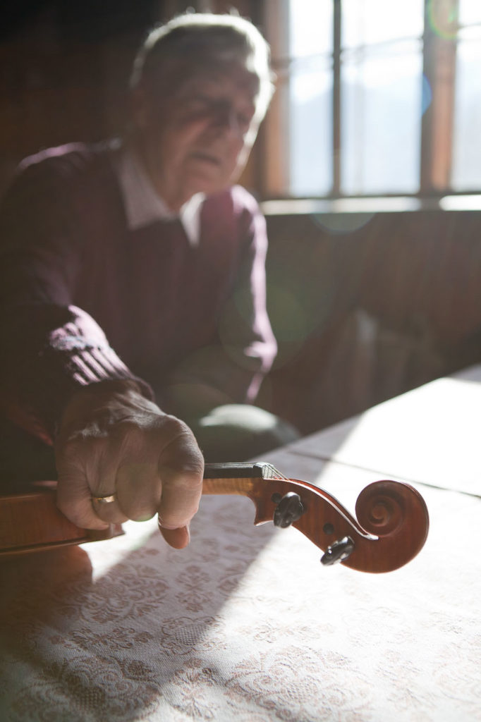 Mann mit Geige
